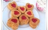 Biscuits cœurs sables au sesame et confiture